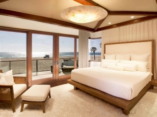 Hermosa Beach strand contemporary home